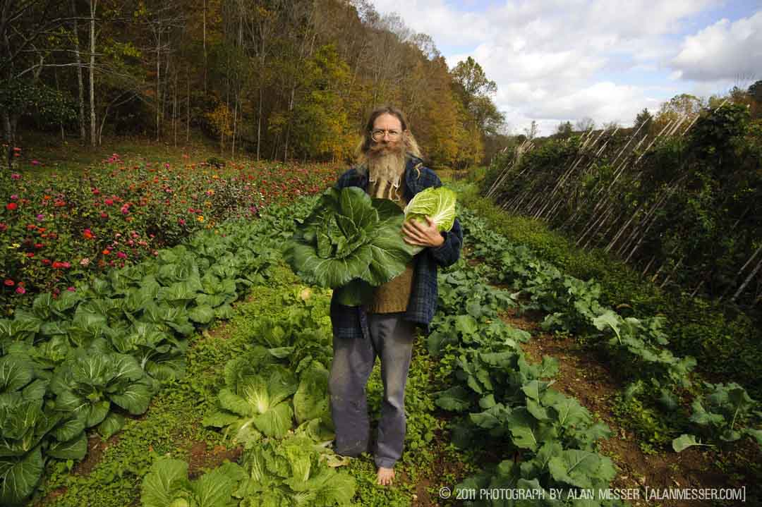 Barefoot Farmer Jeff Poppen (2) 2011 Alan Messer [alanmesser.com]